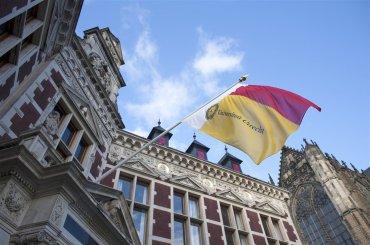 Vlag Academiegebouw