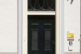 Main entrance of Achter de Dom 20
