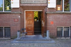 Main entrance of Bijlhouwerstraat 6