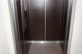 The elevator at Bolognalaan 101