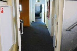 Hallway with small threshold at Janskerkhof 15