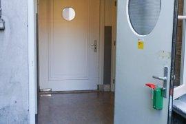 The final door of the alternative entrance at Janskerkhof 15