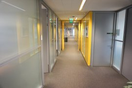 A hallway typicpal for the Newtonlaan 201 building.