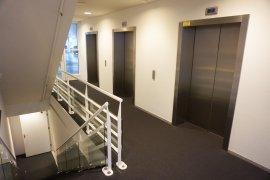 The elevator hall in Newtonlaan 201.