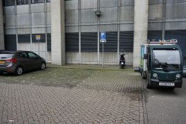 The accessible parking space at the Nicolaas Bloembergen building