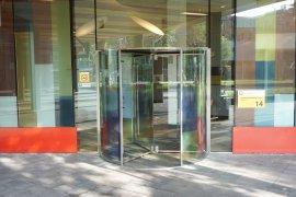 The main entrance of the Sjoerd Groenman building