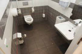 The accessible toilet of Spinoza Hall.