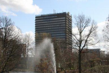 Het hoge van Unnikgebouw.