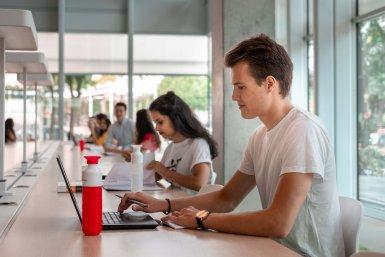 studenten aan het werk